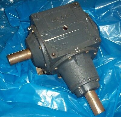 Hub City Ratio 1:1 Bevel Gear Reducer Model 1010 P/n 0220-06303 Style D