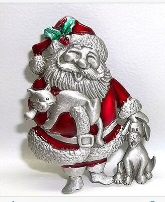JJ VINTAGE CHRISTMAS HAPPY SANTA CLAUS WITH KITTY CAT AND PUPPY BROOCH PIN
