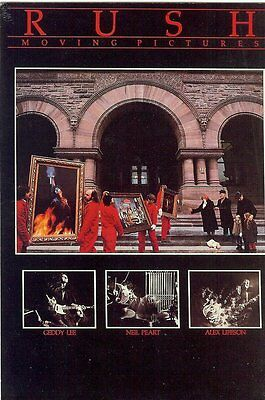 Carte Postale Postcards Chanteur Goupe RUSH Moving Pictures LEE PEART LIFESON