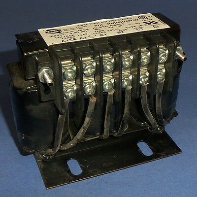 T66 NEW Hammond Power Solutions RM0004N65 Line Reactor 3-Phase 4-Amp Reactor