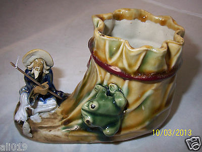 Lucky Bamboo Planter  Frog with Chinese Fisherman Fishing Pole & Porcelain Fish