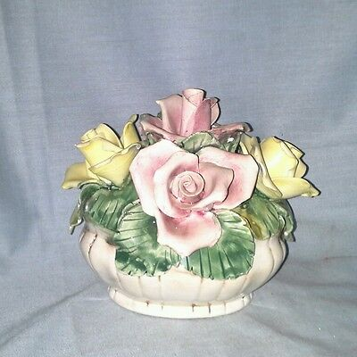 Capodimonte made in Italy flower pot Roses pink yellow fine porcelain figurine