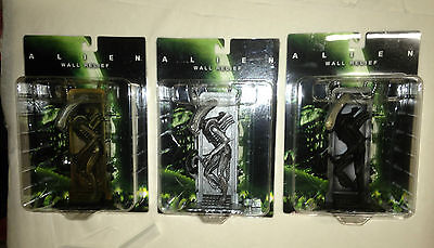 ALIEN SOTA Toys X-Plus Wall Relief Standing all 3 variant Set Brand NEW