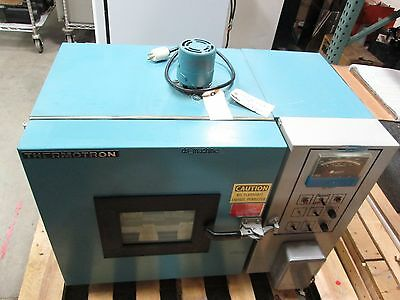 Thermotron S-1.2 Mini Max Environmental Chamber 120VAC 15A *Does not Cool*