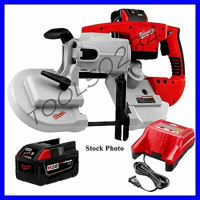 New Milwaukee 0729-21 V28 Portable Band Saw w/ Battery Lithium-Ion  & Charger