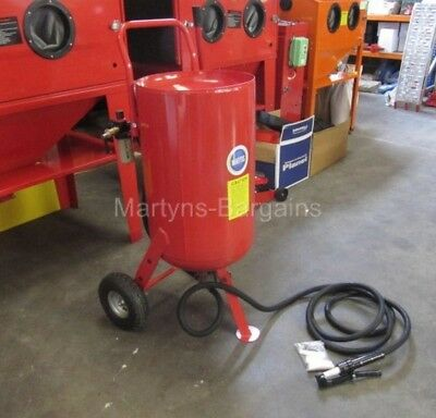 Sandblaster pot SB26 Industrial Sand Blasting Pot. Portable sand blast machine.