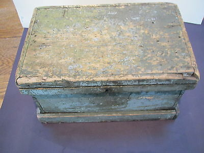 "Viintage wood 15 1/2""L X10""D X 8 1/2""H carpenters tool or document box-orig lock"