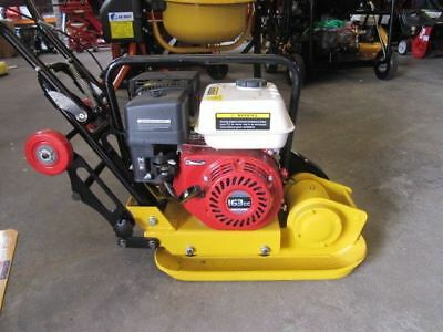 WACKER PLATE.5.5hp PETROL ENGINE COMPACTOR PLATE WITH WHEELS AND RUBBER MAT