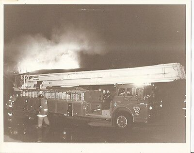 Fire Equipment Photo - Snorkel - Glenbrook FD Engine Ladder Truck - 1982 (DB73)