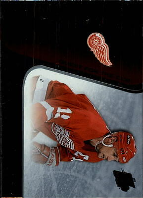 2002-03 Pacific Quest for the Cup #37 Steve Yzerman