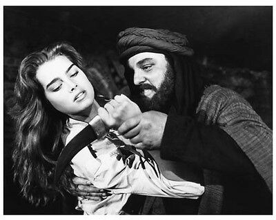 SAHARA scene still with BROOKE SHIELDS - (c602)