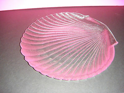 """Arcoroc France Clam Shell 12"""" Platter / Serving Plate"""