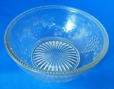 Antique EAPG Federal Glass Bowl in Grape without Vine Pattern