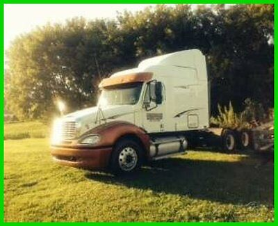 2005 Freightliner Columbia Conventional Cab Sleeper 475hp CAT 10 Speed Eaton