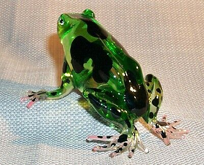 FROG Black Dot pattern Small ARTGLASS FIGURINE translucent GREEN BODY 1 pc.