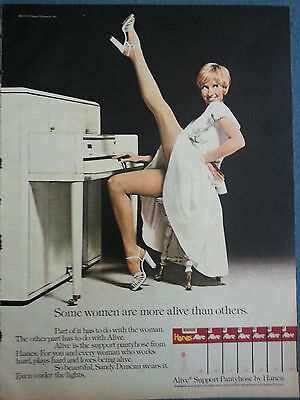 1976 Hanes Hosiery Alive Sandy Duncan Playing Piano Original Print Ad