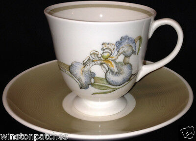 Wedgwood England Susie Cooper Iris Footed Cup & Saucer 8 Oz Flowers