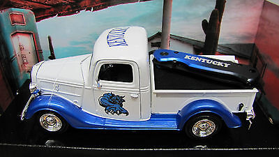 Kentucky Wildcats 1937 Ford Pickup Truck with Knife - New