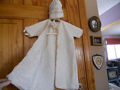 Vintage Infant gown/robe & bonnet silk off white G.FOX & CO Hartford Connecticut