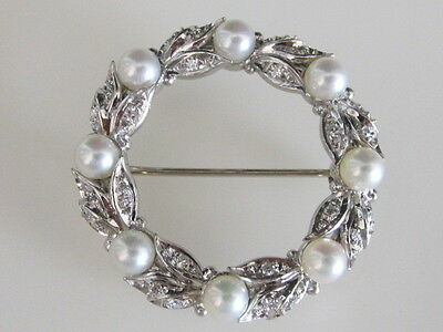 Exquisite 14k. White Gold Pearl & Diamond Holiday Wreath Brooch Pin, Vintage