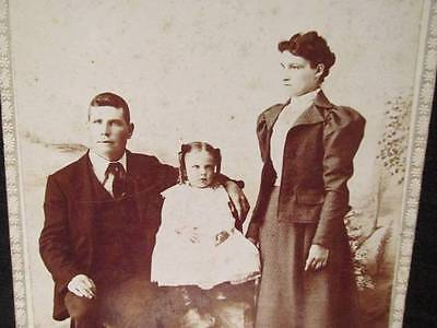 Katie Grimley as child with parents Antique Cabinet Photo late 1800s early 1900s