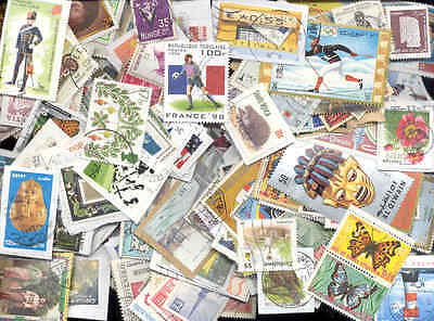 WORLD - Lot of 100  worldwide different colorfull stamps