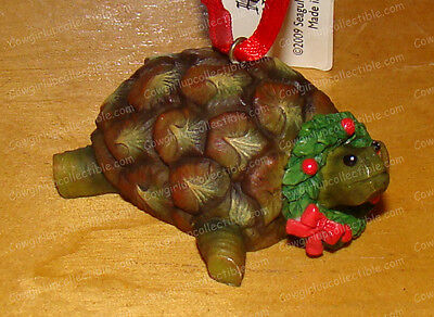 4015601 - Pineapple TURTLE (Home Grown by Enesco) Christmas Ornament