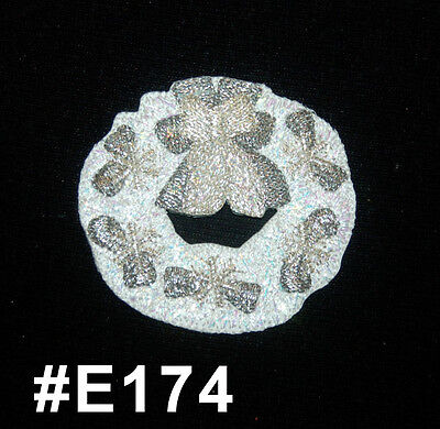"1Pc White Christmas Wreath ~ Iron On / Sew On Embroidered Applique 2.75"" W"