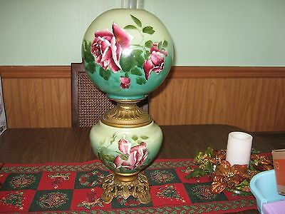 """LOVELY LARGE ANTIQUE HAND PAINTED """"GONE WITH THE WIND"""" OIL/KEROSENE TABLE LAMP"""