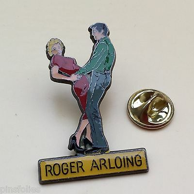 Pin's Folies *Beau pin'sdanse femme pin'up  homme couple Roger Arloing vetements