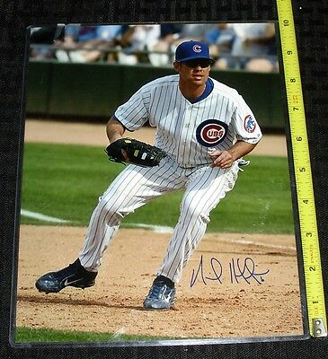 MLB CHICAGO CUBS HAND SIGNED 8X10 PHOTO UNIDENTIFIED INFIELDER FREE S&H 18214