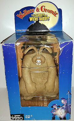 (NEW) Wallace & gromit The curse of the were rabbit,Mcfarlane toys figure (2005)