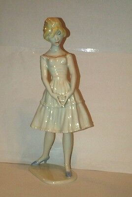 Steiner for Unterweissbach Young Lady Woman Figurine w/ Intertwinned Fingers