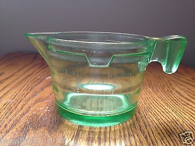 Green Depression/Uranium Glass 2 Cup Measuring Cup