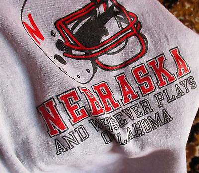 Boys 10-12 MEDIUM True Vtg 80s NEBRASKA HUSKERS FOOTBALL T-shirt MADE IN USA