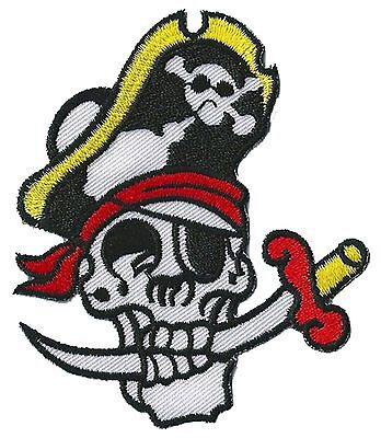 Badge patch écusson patche Pirate skull thermocollant brodé