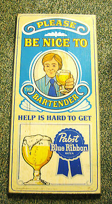 B) (VINTAGE) PABST BLUE RIBBON BEER WOOD - WOODEN SIGN MILWAUKEE WI