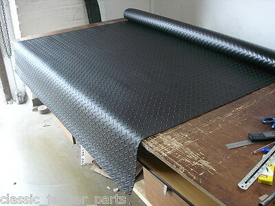 Rubber sheet flooring 3mm thick 1.6m wide very tough will not crack when folded