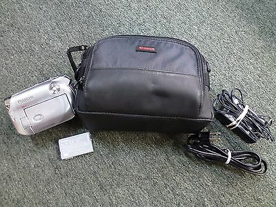 (T3) Canon DC220 DVD Camcorder with 35x Optical Zoom ***LOOK***