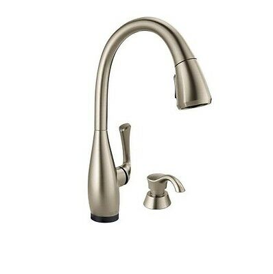 Delta Dominic Single-Handle Pull-Down Sprayer Kitchen Faucet 19940T-SPSD-DST