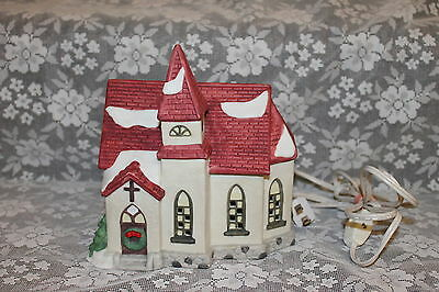 CHURCH LIGHTED FIGURINE CHRISTMAS PORCELAIN CERAMIC RED ROOF VILLAGE HOUSE