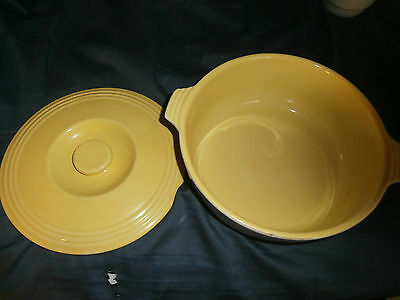 General Electric Hall Ovenware Casserole Dish With lid no chips or cracks
