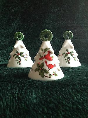 Lot Of 3 Lefton Cardinal And Holly Berry Bells Christmas No Crazing. Chips