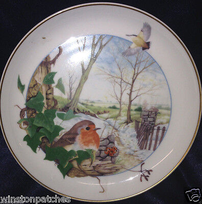 ARZBERG GERMANY MARTIN CAMM BIRDS OF THE COUNTRY MONTH DECEMBER WALL PLATE