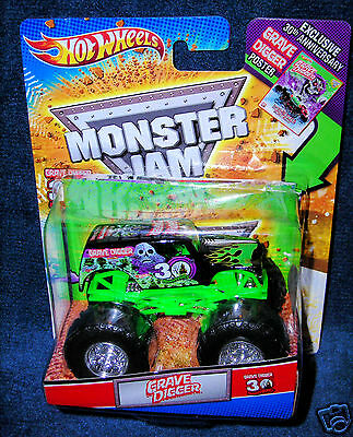 HOT WHEELS 2010 GRAVE DIGGER MONSTER JAM TRUCK 30TH ANNIVERSARY EDITION LEGENDS