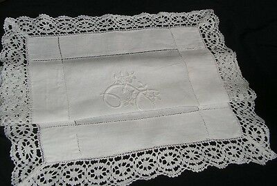 B'FUL VTG FINE WHITE IRISH LINEN HAND EMBROIDERED CUTWORK & MONOGRAMMED SM CLOTH