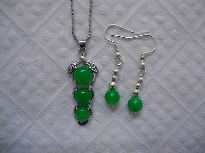 """Beautiful pendant,green jade16""""silver tone chain,necklace&silver plated earrings"""