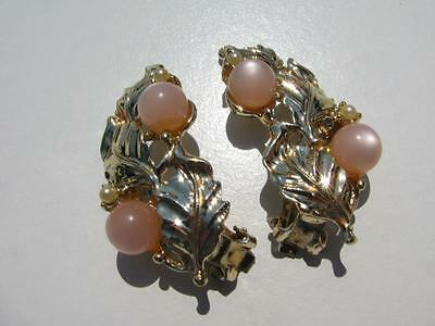 VINTAGE PINK MOONGLOW THERMOSET LUCITE PEARLS STONES GOLD LEAVES CLIP EARRINGS