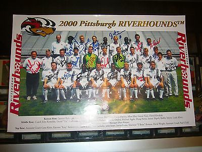 2000 Pittsburgh Riverhounds Professional Soccer Team Signed 11X17 Poster Photo