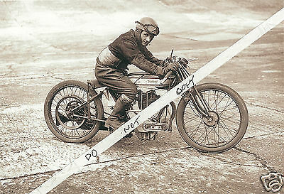 NORTON MOTORCYCLE 5x7 glossy PHOTO RIDER IN PERIOD CLOTHES RACE READY